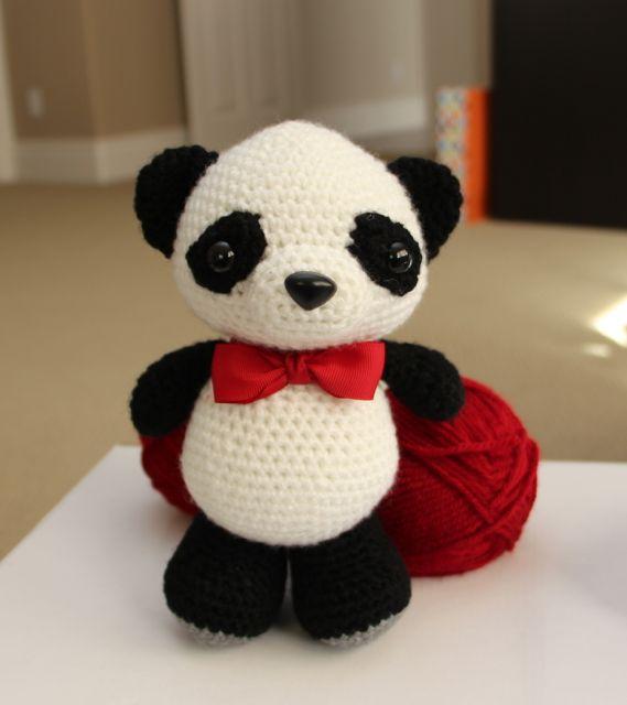 Amigurumi Crochet Panda Pattern by Little Bear Crochets   640x569